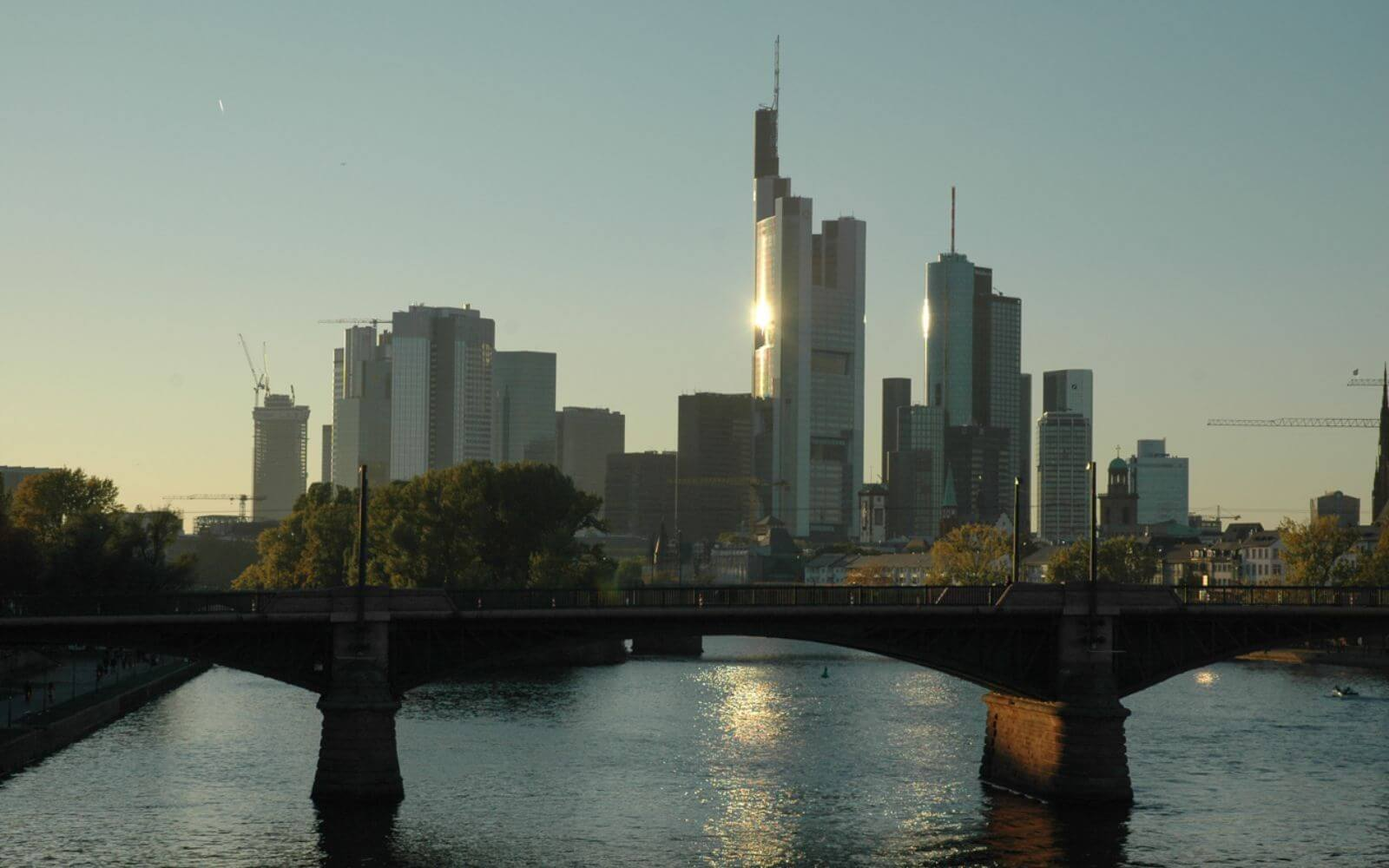 Frankfurt City Round Trip Bus Tour