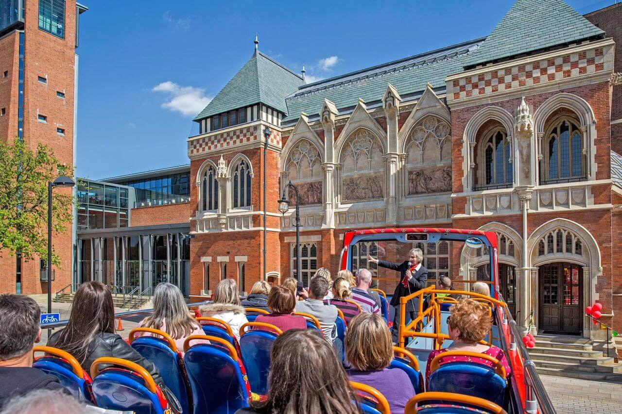 Stratford-upon-Avon Hop-On, Hop-Off Bus Tour